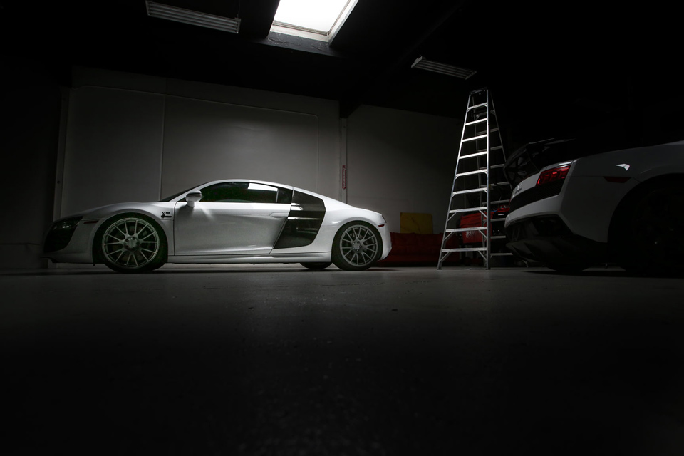 r8-v10-vf70-white-shoppic